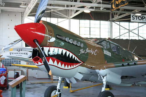 Curtiss P-40 Flying Tigers